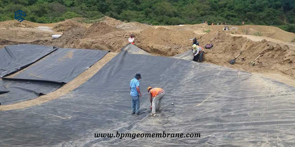Hdpe liner installation hdpe liner fabrication and for Pond liner installation