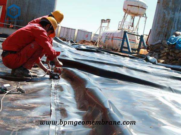 Plastic Pond Liner for Oil and Gas Containment